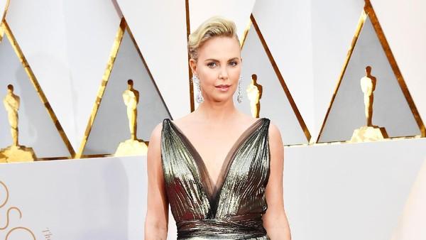 Iran Sensor Habis Charlize Theron di Oscar