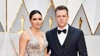 Matt Damon turut mengajak sang istri, Luciana Barroso di red carpet Oscar 2017. Frazer Harrison/Getty Images/detikFoto.