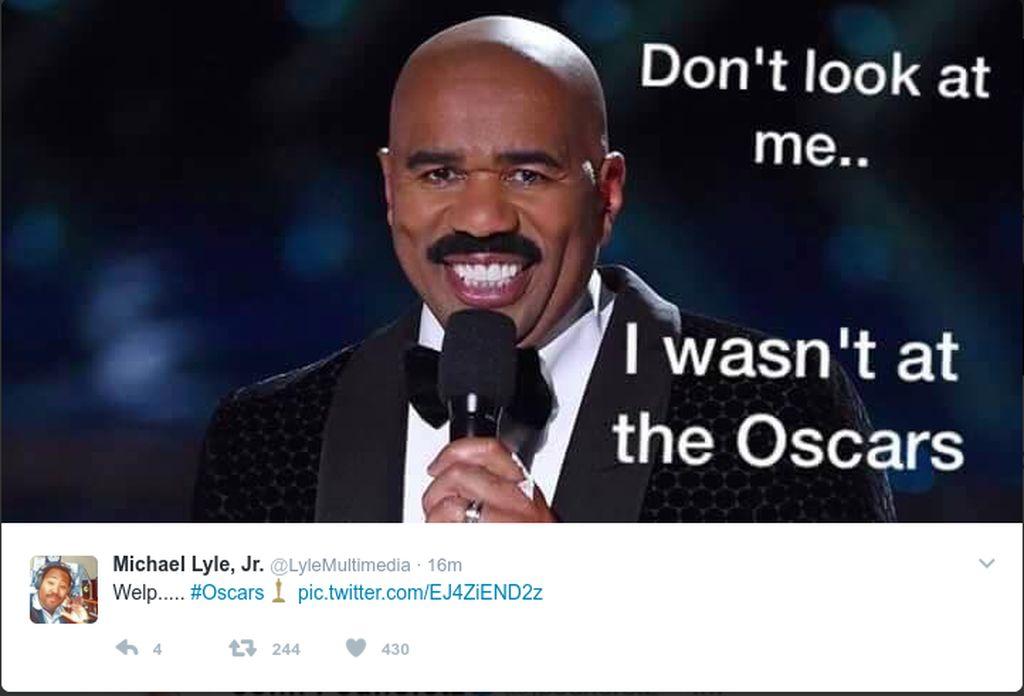 Aktor komedi Steve Harvey yang salah ucap nama pemenang miss universe ikut disalahkan. (Foto: Dok. Twitter)