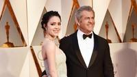 Mel Gibson juga mengajak kekasihnya yang berusia 24 tahun, Rosalind Ross. Frazer Harrison/Getty Images/detikFoto.