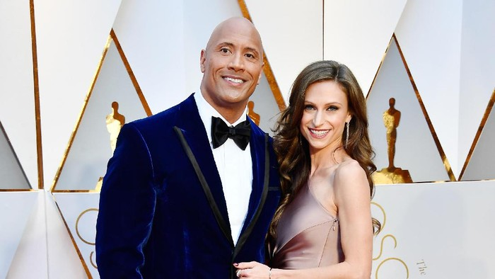 Dwayne Johnson dan Lauren Hashian. Foto: Frazer Harrison/Getty Images