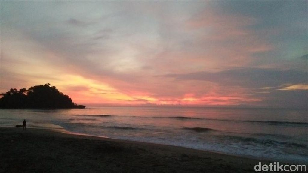 Rebutan Pantai Anyer