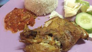Sedapnya Ayam Penyet Sambal Mentah dan Soto Madura di Kantin PIM 2