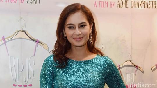 Lekuk Tubuh Marisa Nasution Dalam Dress Turquoise