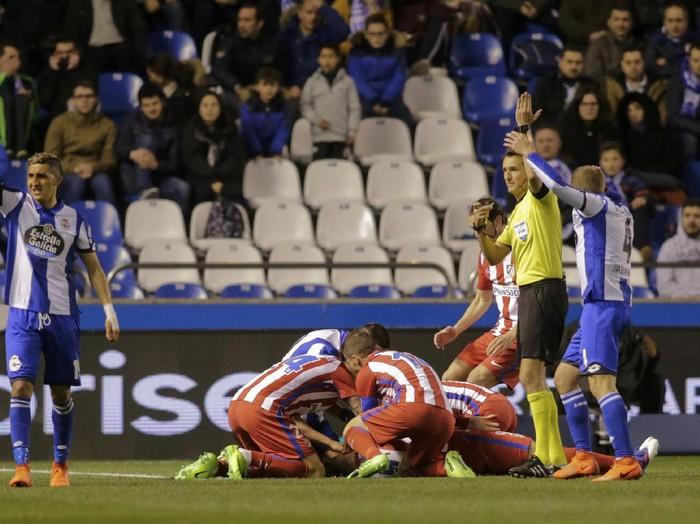 Fernando Torres pernah cedera dan menelan lidahnya. (Foto: Reuters / Miguel Vidal)