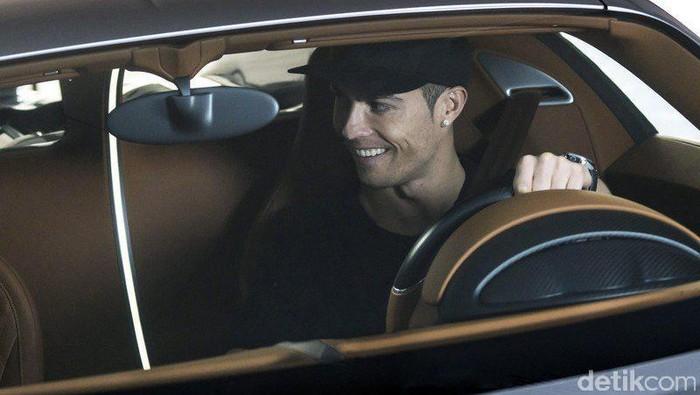 Cristiano Ronaldo dan Bugatti Chiron