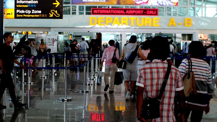Bandara Ngurah Rai, Bali, jelang kedatangan Raja Salman.