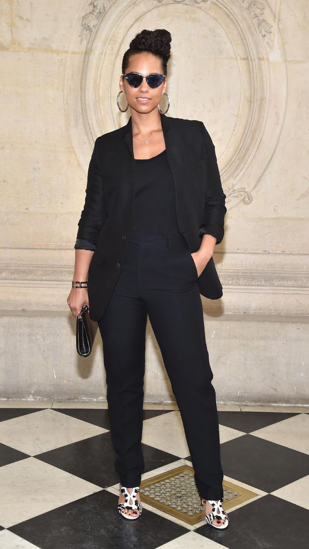 Foto: Gaya Stylish Selebriti Dunia di <i>Show</i> Dior Paris Fashion Week