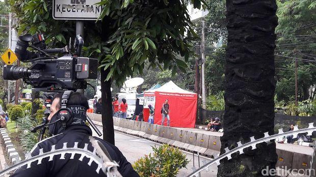Massa Aksi 'Kawal Sidang Ahok' Mulai Berdatangan ke Depan Kementan