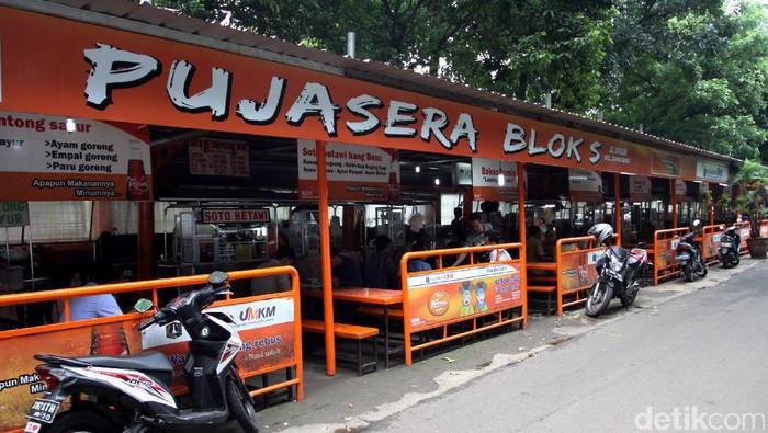Pusat jajanan serba ada (Pujasera) yang berada di Blok S telah dipercantik.