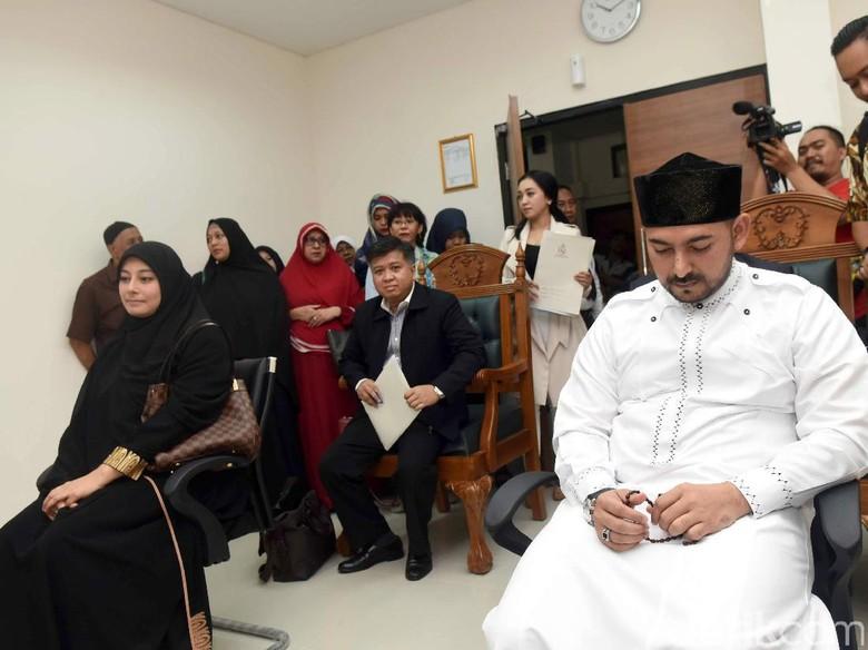Foto: Sidang cerai Al Habsyi (Noel/detikHOT)