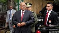 Sebelumnya, Presiden Jacob hadir sekitar pukul 11.00 WIB dikediaman Megawati.