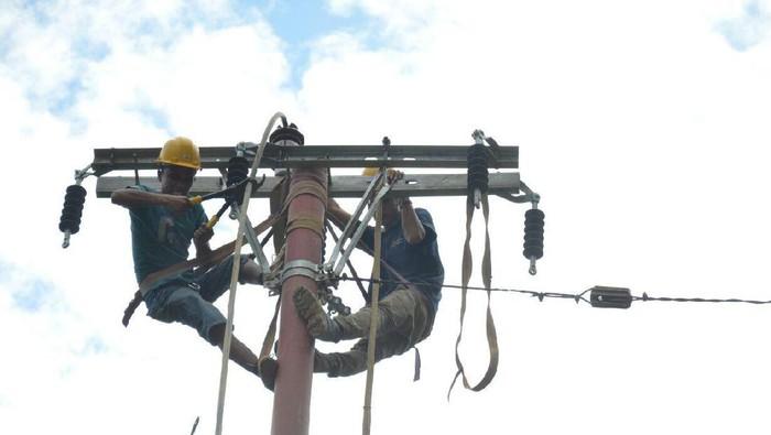 Perbaikan listrik di Kecamatan Pangkalan, Kabupaten Lima Puluh Kota
