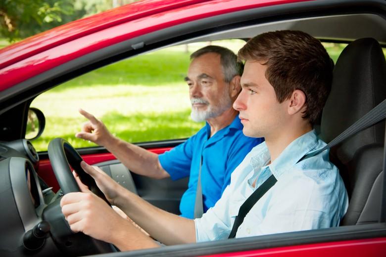 Ilustrasi mengemudi. Foto: iStock / Rocketnews