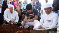 Iko saat ditemui di Tempat Pemakaman Umum (TPU) Prumpung, Jakarta Timur pada Rabu (8/3/2017). Pool/Palevi S/detikFoto.