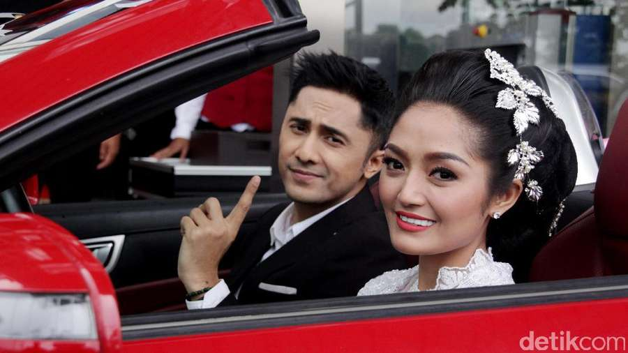 Seperti apa Kemesraan Siti Badriah dan Hengky Kurniawan?
