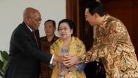 Pertemuan itu digelar secara tertutup di ruang pertemuan kediaman Megawati.