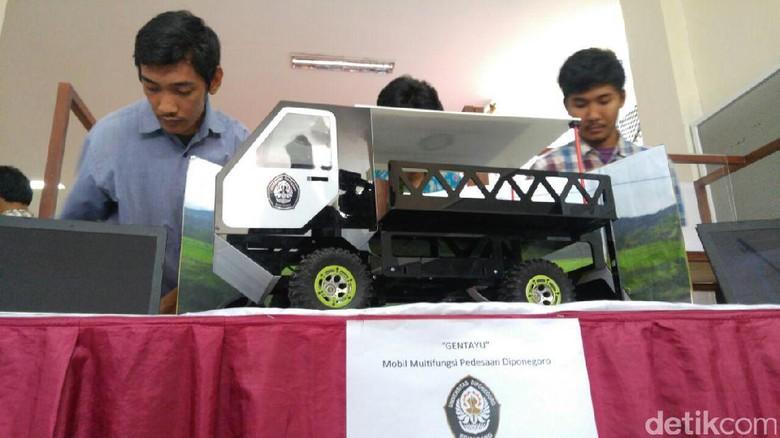 Mock up desain mobil pedesaan mahasiswa Undip yang dinamakan Gentayu. Foto: M Luthfi Andika