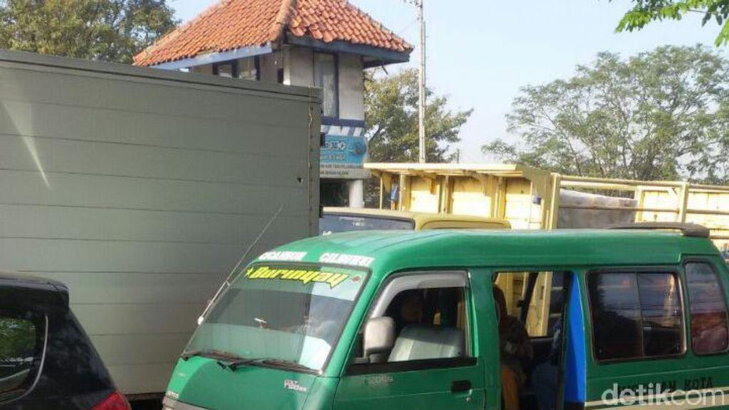 Aksi Mogok, Pagi Ini Sebagian Angkot di Bandung Masih Beroperasi