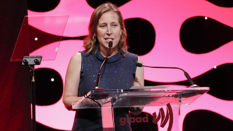 SAN FRANCISCO, CA - NOVEMBER 07:  Susan Wojcicki speaks at the GLAAD Gala at the Hilton San Francisco on November 7, 2015 in San Francisco, California.  (Photo by Kimberly White/Getty Images for GLAAD)