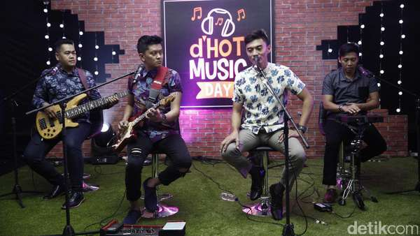 Aksi Gangster of Love di dHOT Music Day