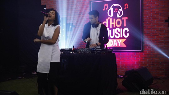 Move Your Body! Hentakan Midnight Quickie di dHOT Music Day