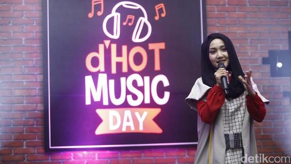 Fatin Ambil Alih Panggung, dHOT Music Day Makin Seru!
