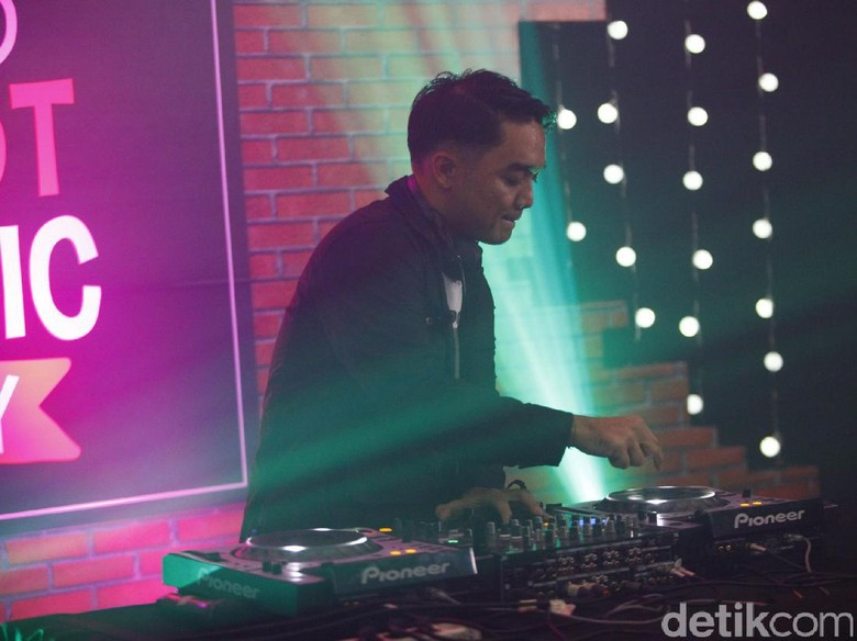 Manggung di We The Fest, Dipha Barus Juga Bakal Tampil Live