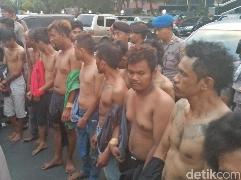 Polisi Tetapkan 14 Tersangka Perusakan Mobil di Karawaci