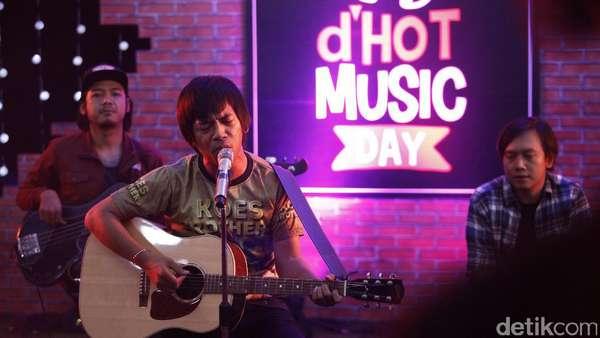 Nyanyi Bareng DMasiv di dHOT Music Day Yuk!