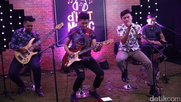 Gangsters of Love Bawakan 'Indah Kuingat Dirimu' Hingga Lagu Sundari Soekotjo