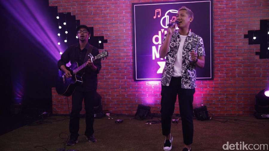 Penampilan Abenk Alter di dHOT Music Day