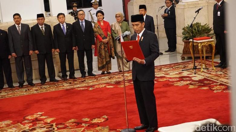 Presiden Jokowi Resmi Lantik 17 Duta Besar RI Baru