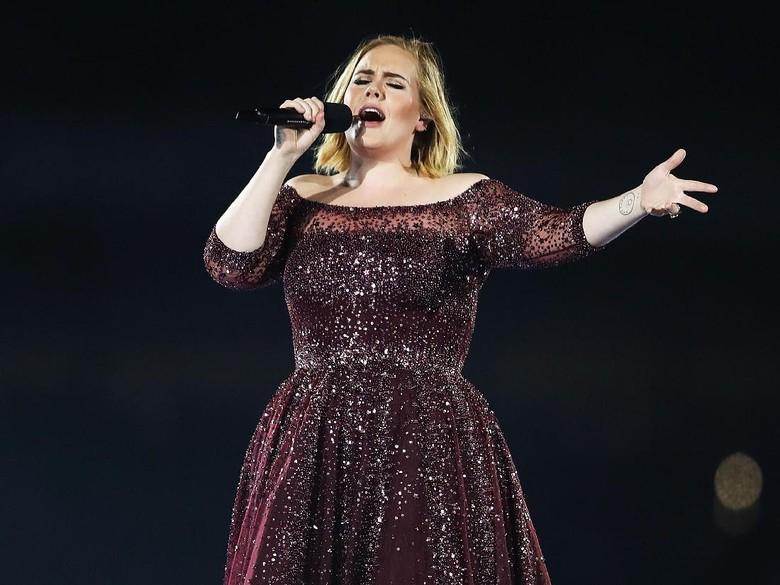 Pita Suara Rusak, Adele Batalkan Konser