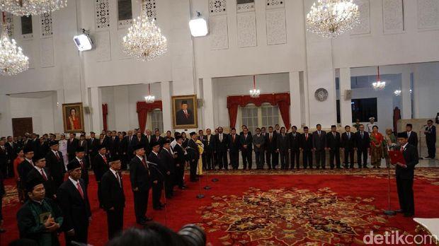 Presiden Jokowi melantik 17 Dubes RI baru.