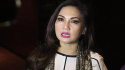Seperti Meghan Markle, beberapa seleb Indonesia berikut juga pernah merasakan kehamilan di usia 35 tahun ke atas. Mulai Ayu Azhari, siapa lagi selanjutnya?
