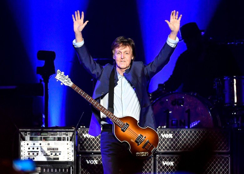 Emma Stone Bintangi Video Klip Terbaru Paul McCartney