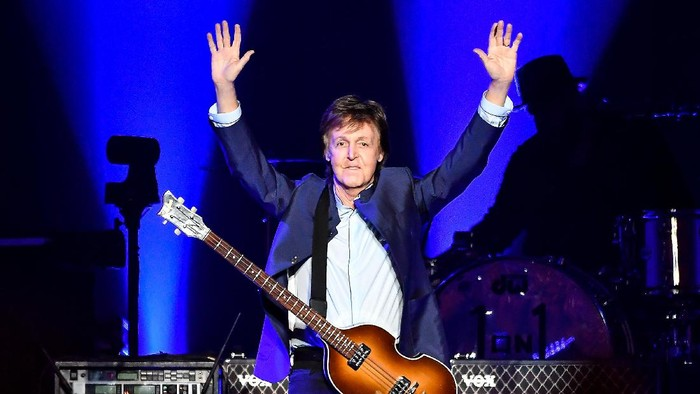 FRESNO, CA - APRIL 13:  Paul McCartney performs on Opening Night of the One On One Tour at Save Mart Center on April 13, 2016 in Fresno, California.  (Photo by Steve Jennings/Getty Images)