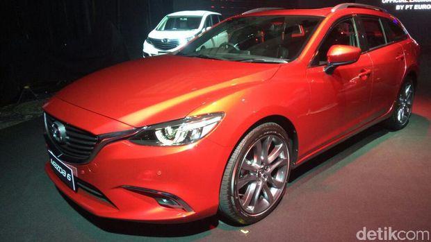 5 mobil baru Mazda untuk Indonesia mencakup Mazda 6 Estate, Mazda 3, Mazda 5, Mazda CX-3, serta Roadster Mazda MX-5 Soft Top.