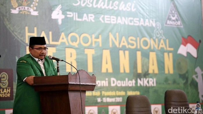 Wakil Ketua MPR Oesman Sapta Odang membuka acara Sosialisasi 4 Pilar Kebangsaan dan Halaqoh Nasional Pertanian di Asrama Haji Pondok Gede Jakarta Timur, Selasa (14/3/2017).
