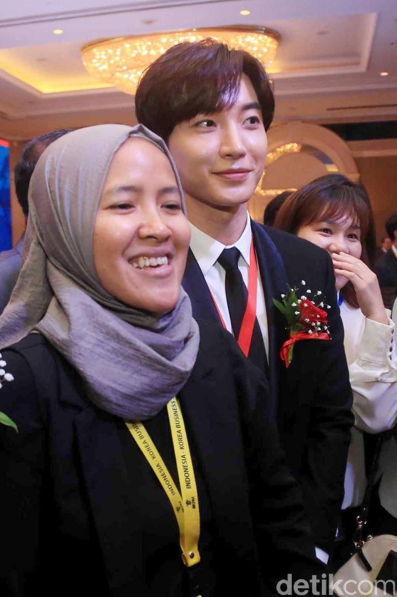 Leeteuk saat hadir di acara Indonesia-Korea Business Summit di Hotel Shangri-La, Jakarta Selatan pada Selasa (14/3/2017). Pool/Ismail/detikFoto.