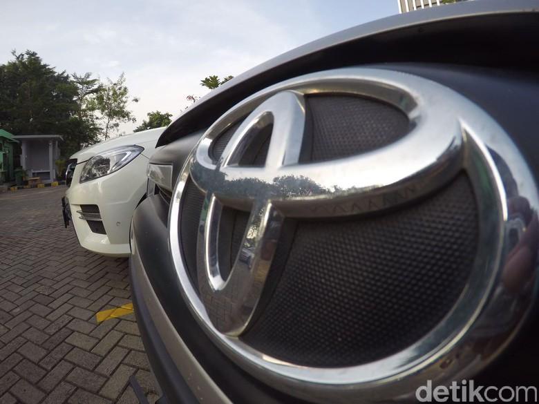 Logo mobil Toyota