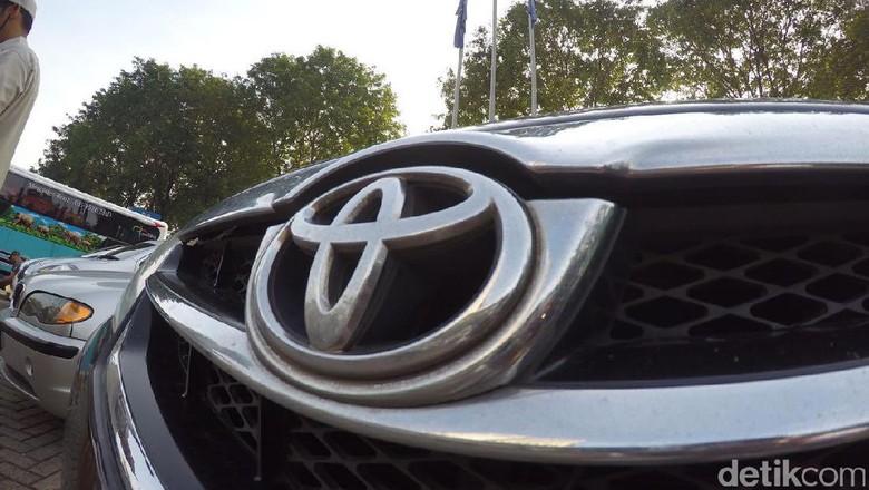 Aneka Logo Mobil, toyota, bmw, alpina, datsun, nissan
