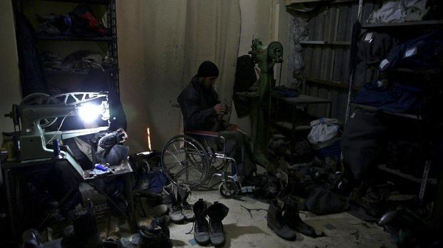 Para korban perang saudara di Suriah.