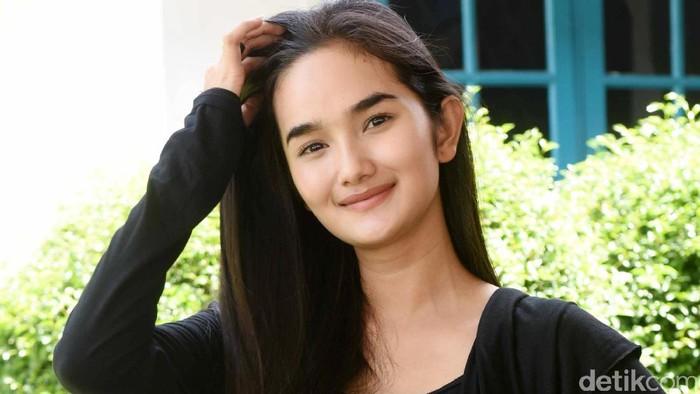 Faby Marcelia saat ditemui di lokasi syuting di Cibubur.