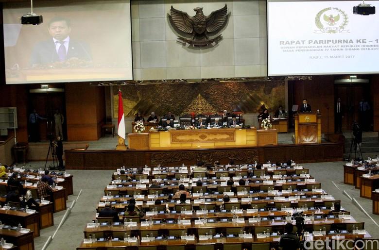 Sempat Ada Interupsi, DPR Setuju Pembahasan RUU Perbukuan Ditunda