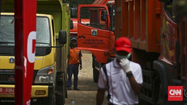 16 Truk Sampah DKI Disetop Bekasi Akibat Nirdokumen