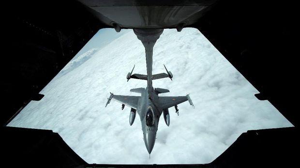 AS terus melakukan serangan udara terhadap ISIS di Suriah.