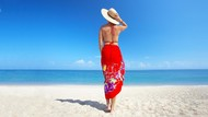 Studi: Jalan Santai di Pantai Bisa Bikin Mentalmu Lebih Sehat