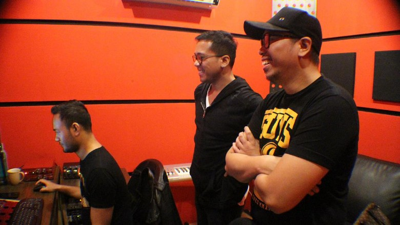 Sammy Simorangkir Bersemi Kembali di Studio Rekaman